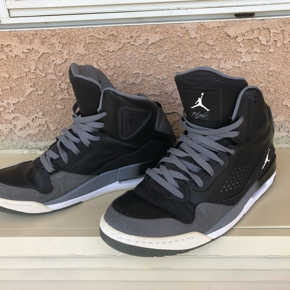 a9485a095d Jordan Other - Men s Nike Jordan Flights Black Grey sz 11